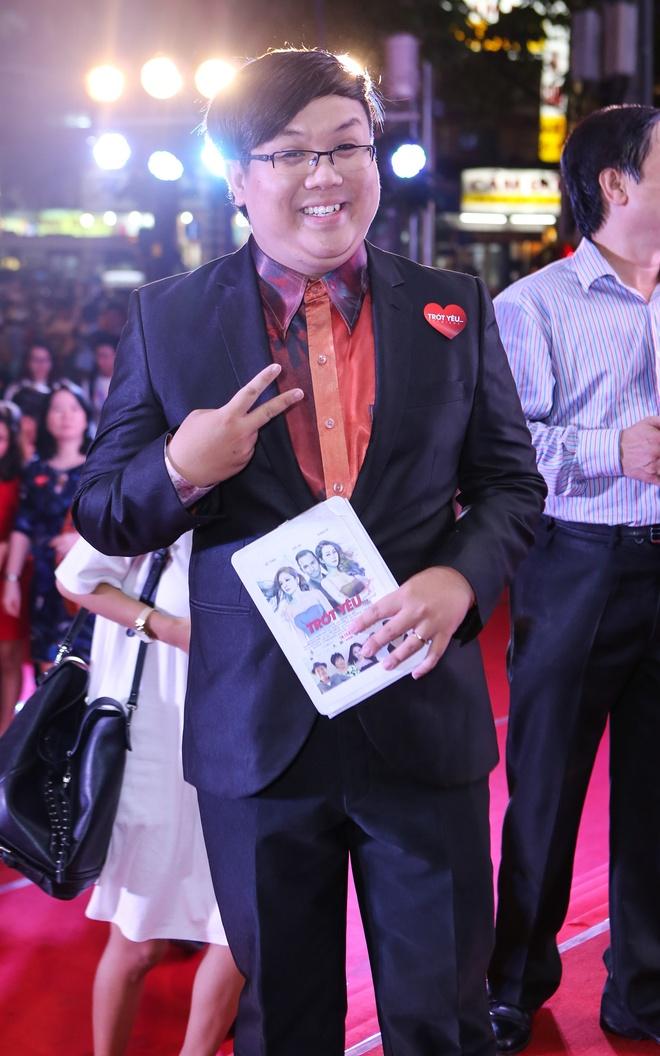 Dam Vinh Hung mac sac so di xem phim cua Viet Trinh hinh anh 10