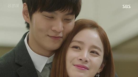Ban dien kem tuoi khen Kim Tae Hee trong sang hinh anh 2
