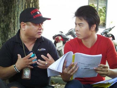 Dao dien phim - Nghe hot bac? hinh anh 1 Đạo diễn Xuân Phước chỉ đạo diễn xuất trên trường quay. (Ảnh do nhân vật cung cấp)