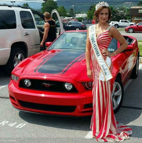 Khoi to hoa hau gia ung thu lua dao 14 nghin USD hinh anh 1 Hoa hậu Quốc tế Pennsylvania - Brandi Lee Weaver-Gates