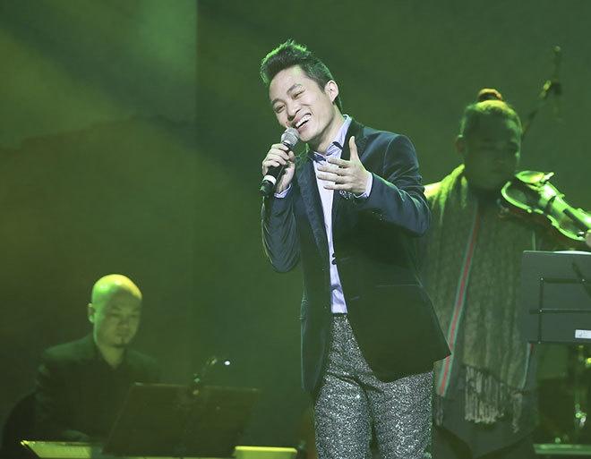 Tung Duong: Dan ong tho lo voi phu nu la… mang toi hinh anh 2 Tùng Dương đang ấp ủ thực hiện liveshow kỷ niệm 10 năm ca hát vào cuối năm nay.