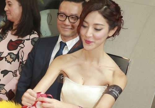 Hoa dan moi cua TVB gay tro xuong don hinh anh