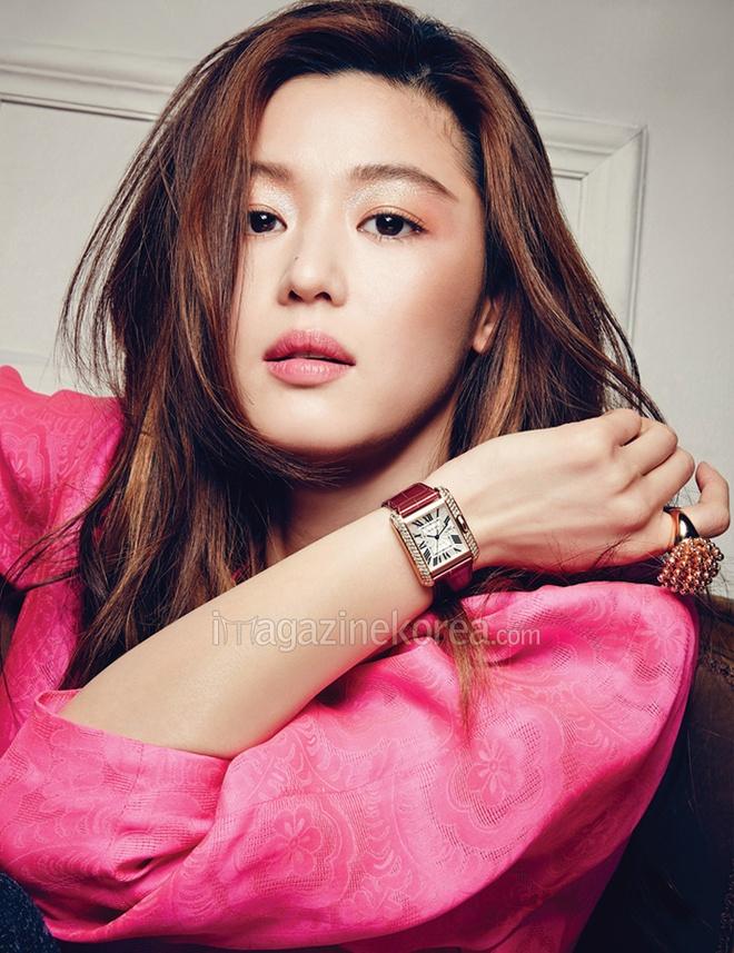 20 minh tinh la bieu tuong sac dep cua showbiz Han hinh anh 3 Minh tinh Vì sao đưa anh tới - Jeon Ji Hyun mang đến sự thành công cho bất kỳ dự án cô góp mặt. Với vẻ đẹp tinh tế, thông minh và cá tính, Jeon Ji Hyun cuốn hút truyền thông và khán giả.