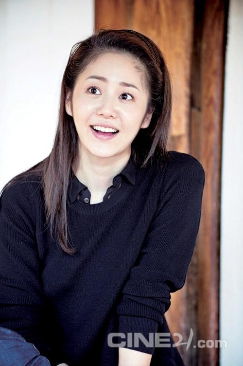 20 minh tinh la bieu tuong sac dep cua showbiz Han hinh anh 15 Cựu Hoa hậu Go Hyun Jung thuộc số ít người đẹp từ các cuộc thi Hoa hậu khăng định được diễn xuất. Ở tuổi 44, cô vẫn được ca tụng là người đẹp có nụ cười ngọt ngào nhất, vì thế không lạ khi cô có tên trong Top 20 người đẹp.