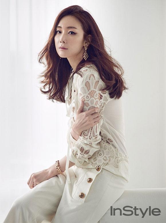 20 minh tinh la bieu tuong sac dep cua showbiz Han hinh anh 17 Nữ diễn viên Choi Ji Woo sở hữu nét đẹp hiền dịu.