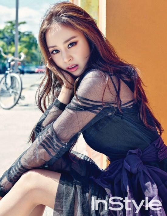 20 minh tinh la bieu tuong sac dep cua showbiz Han hinh anh 2 Kim Tae Hee sở hữu vẻ đẹp thuần khiết, đạt chuẩn đẹp châu Á. Cô luôn nằm trong Top những người đẹp nhất xứ Hàn những năm qua.