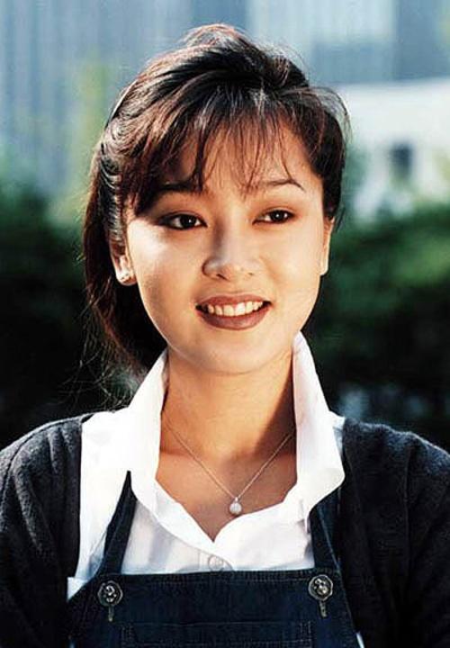 20 minh tinh la bieu tuong sac dep cua showbiz Han hinh anh 10 Thập niên 90, Lee Seung Yeon là cái tên nổi bật. Nàng Hoa hậu Seoul đẹp đạt chuẩn với gương mặt phúc hậu, môi dầy và mắt to. Cô thành công qua nhiều phim: Khách sạn, Mối tình đầu, Áo cưới...