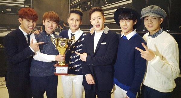 Khan gia nghi ngo chien thang cua BTOB truoc Taeyeon hinh anh 1 BTOB đoạt cúp đầu tiên trên Show Champion.