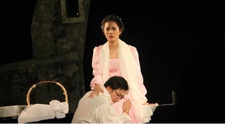 'Hamlet' cua Anh Tu: Khong dung thu goc toi trong con nguoi hinh anh