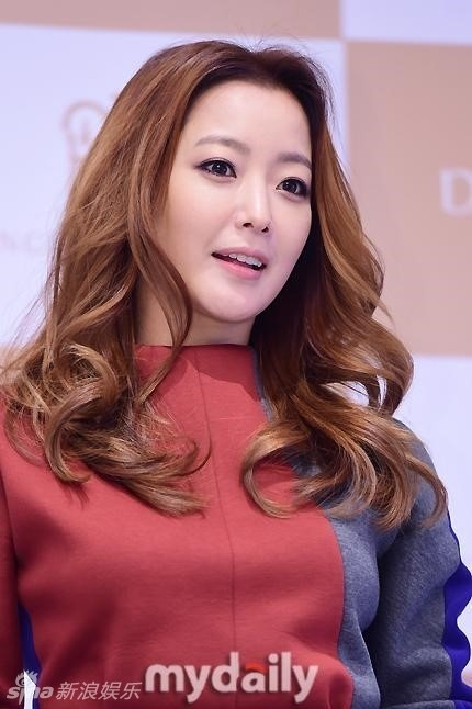 Kim Hee Sun tre dep o tuoi U40 hinh anh 4