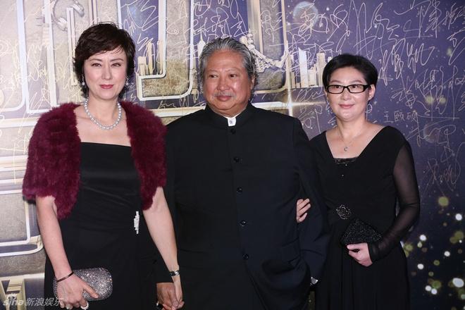 Kim Hee Sun goi cam giua dan sao Hoa ngu tren tham do hinh anh 6 Vợ chồng tài tử Hồng Kim Bảo.