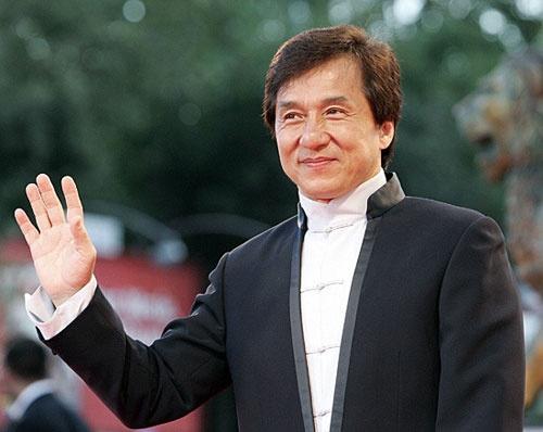 Thanh Long suyt chet duoi o Quang Tay hinh anh 2 Thành Long chưa muốn nghỉ hưu ở tuổi lục tuần.