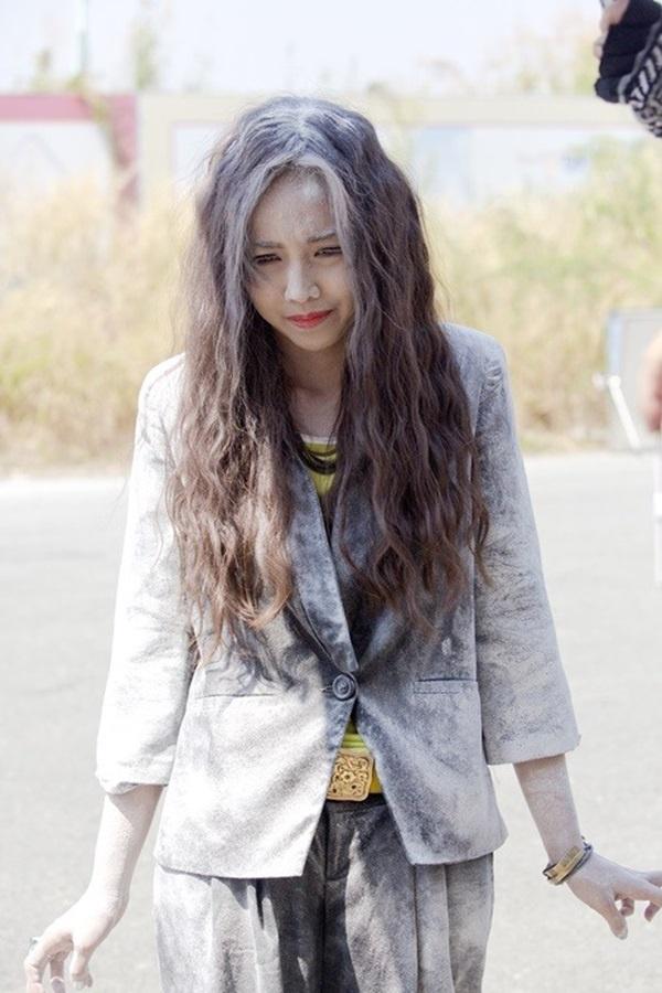 Nhung sao Viet dong hai vai trong mot phim hinh anh 2 Đinh Ngọc Diệp với vai hai chị em song sinh thất lạc nhau từ nhỏ.