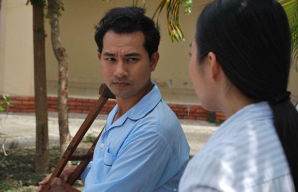 Nhung sao Viet dong hai vai trong mot phim hinh anh 5  Huỳnh Đông trong vai Thế Đạt.