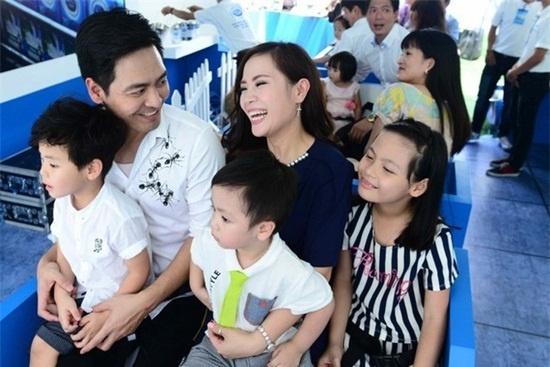 MC Phan Anh, Quyen Linh ke chuyen cua do ban doi hinh anh 2