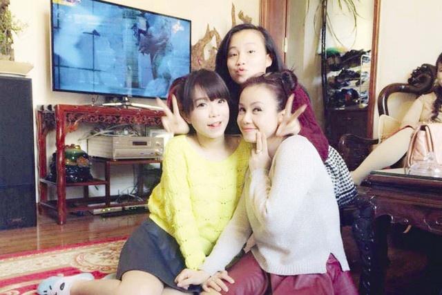 Dien vien Hoang Yen ke chuyen day con va lam me luc 18 tuoi hinh anh 1 Ba mẹ con Hoàng Yến.