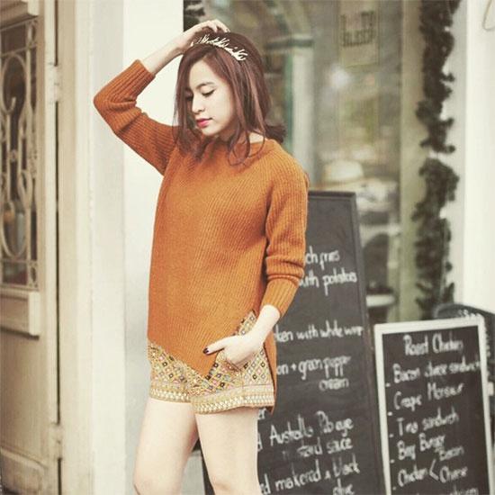 Mix voi ao len chui tre trung nhu sao Viet hinh anh 1 Xu hướng thời trang
