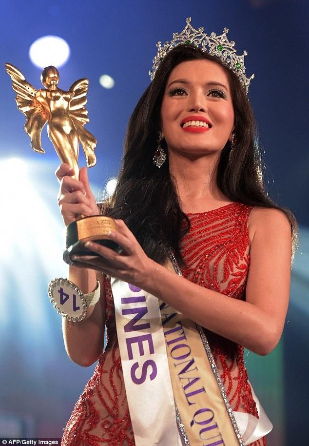 Thi sinh cao 1,63 m dang quang Hoa hau chuyen gioi quoc te hinh anh 1 Trixie Maristela - 29 tuổi, đến từ Philippines đã vượt qua nhiều đối thủ trong đêm chung kết Miss International Queen 2015 (Hoa hậu chuyển giới quốc tế 2015) diễn ra tại Pattaya (Thái Lan) để đăng quang ngôi Hoa hậu.