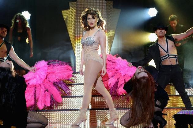 Jennifer Lopez van sexy du o tuoi 46 hinh anh 1