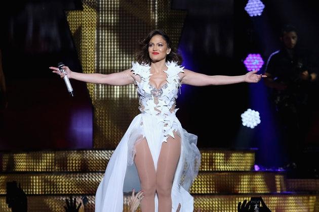 Jennifer Lopez van sexy du o tuoi 46 hinh anh 3