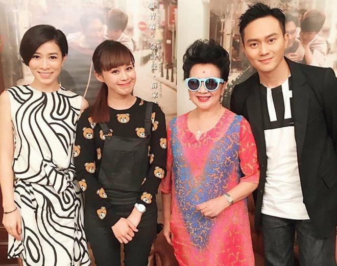 Xa Thi Man - 'nang Chu Chi Nhuoc' tan cong man anh rong hinh anh 1 Xa Thi Mạn cùng các bạn diễn Trương Trí Lâm, Tiết Gia Yến… sang Malaysia, Singapore quảng bá cho bộ phim điện ảnh Đường về hạnh phúc.