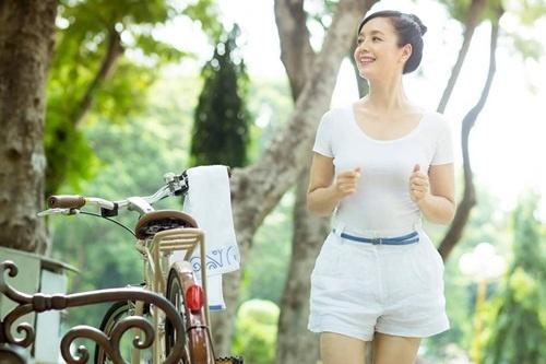 Phong cach tre trung nhu gai teen cua Chieu Xuan hinh anh 5 Chiều Xuân năng động và tươi trẻ trong các chuyến du lịch nước ngoài.