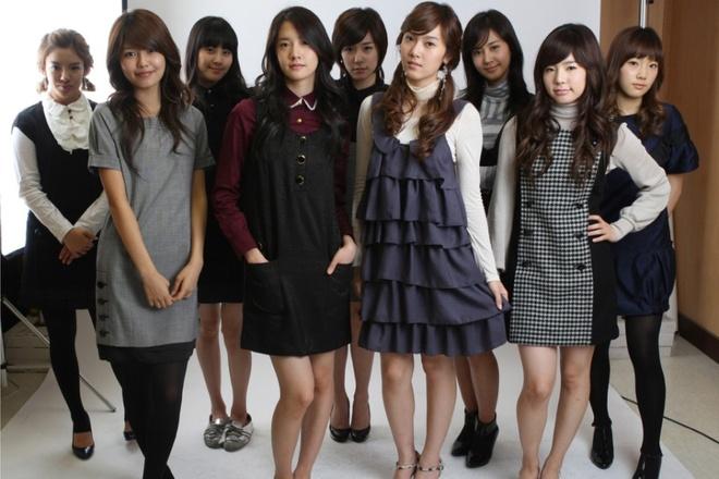 Nhung hinh tuong dang nho cua SNSD trong loat MV dinh dam hinh anh 1 Hình tượng của SNSD đóng một vai trò quan trọng trong quá trình nổi tiếng của nhóm. Trong những năm đầu hoạt động, nhóm gần như không trang điểm và ăn mặc có phần đơn giản.
