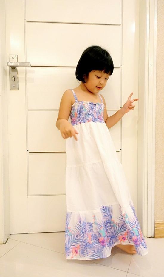 Dieu it biet ve con cua cac MC Viet noi tieng hinh anh 5 Cô công chúa của BTV Diệp Chi ngày càng dễ thương