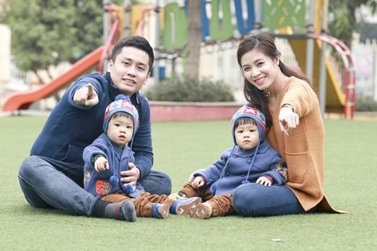 Dieu it biet ve con cua cac MC Viet noi tieng hinh anh 6 Gia đình hạnh phúc của Hoàng Linh - Trung Nghĩa