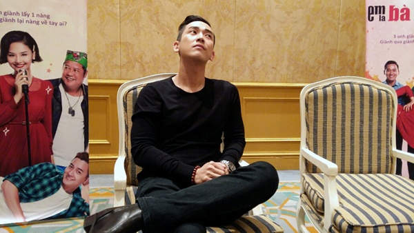 Hua Vi Van: Ly do bien mat sau khi bi tram cam, phat tuong hinh anh 1 Hứa Vĩ Văn trong cuộc trò chuyện với VietNamNet ngày 11/11 tại HN.