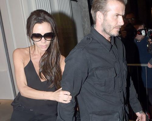 Victoria Beckham giai thich su co trang phuc hinh anh