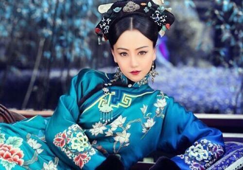 My nhan co trang Hoa ngu dep kieu diem hinh anh