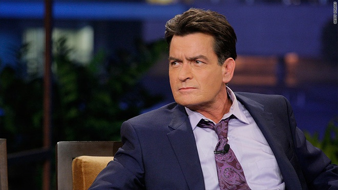 Ban gai cu noi gian vi Charlie Sheen giau benh hinh anh 2