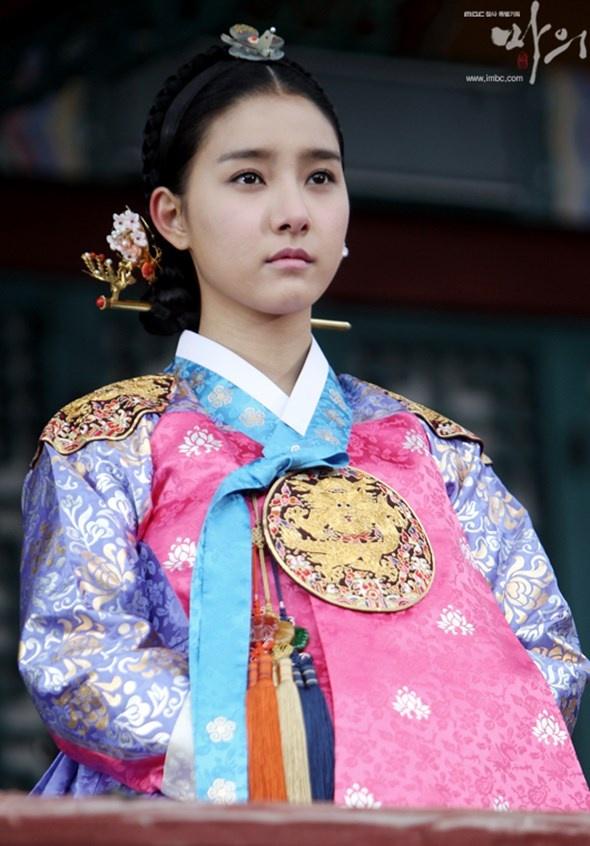 5 phim Han co su but pha ngoan muc hinh anh 1