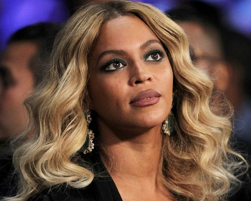 Chong cu Britney Spears am chi Beyonce dao keo hinh anh