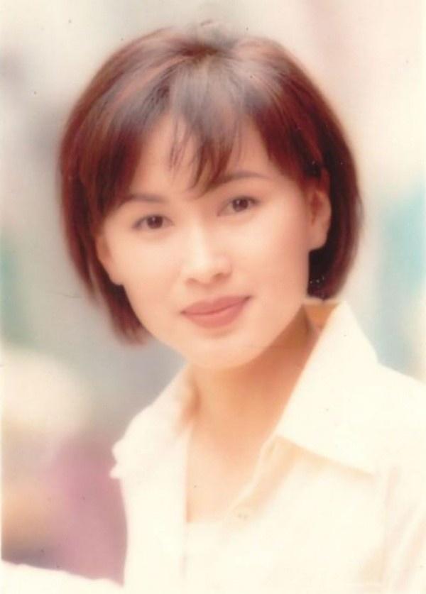 Hoa dan Tran Tu Van: 'Hanh phuc hon nhan chi dai 2 nam' hinh anh 1