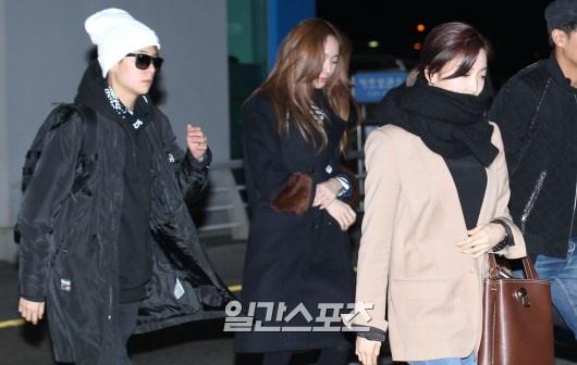 Sao Kpop dong loat len duong du MAMA 2015 hinh anh 11 3 cô gái của f(x) khá trầm lặng.