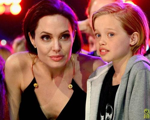 Angelina: 'Lu tre nghi toi ky quac' hinh anh