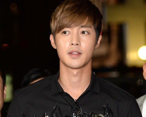 Kim Hyun Joong va ban gai cu duoc goi xet nghiem ADN hinh anh