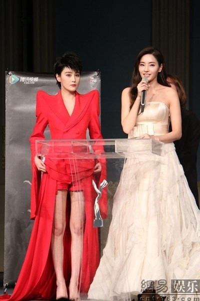 Truong Hinh Du ca tinh catwalk cung Han Chae Young hinh anh 7 a