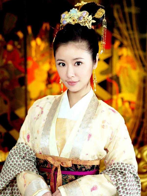 Lam Tam Nhu lan dau thu suc o vai tro dao dien hinh anh 1