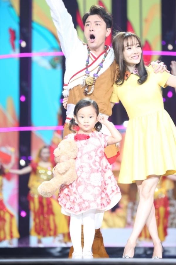 Pham Bang Bang, Ly Than tinh cam trong dai nhac hoi cuoi nam hinh anh 13