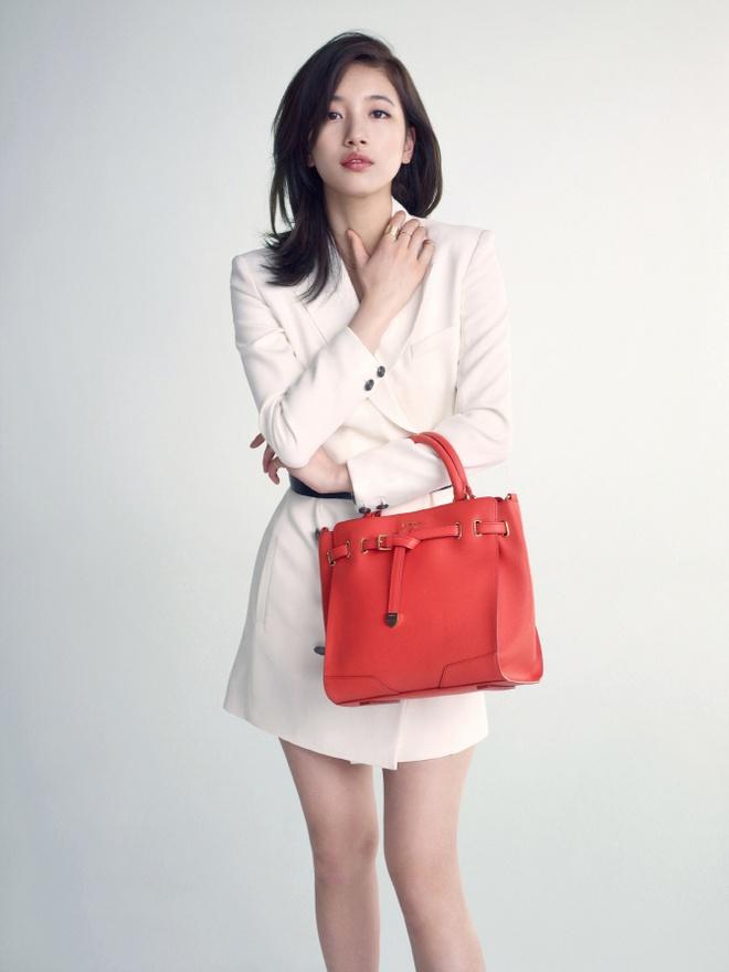 Suzy mat ngoi nu hoang quang cao hinh anh 1