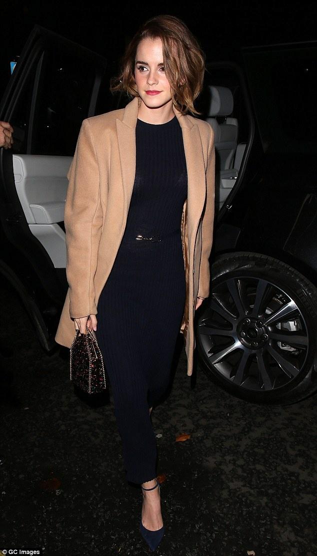 Emma Watson tung khung hoang vi noi tieng som hinh anh 1