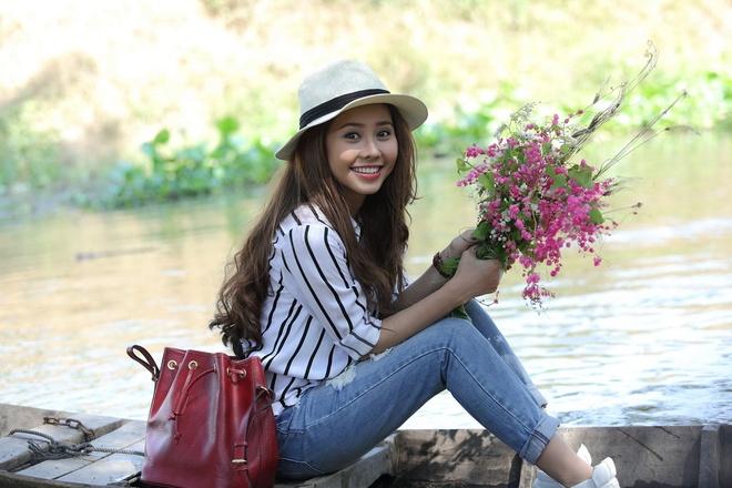 Tuong Vi hoa 'co Tham ve lang' trong phim hai Tet hinh anh 1