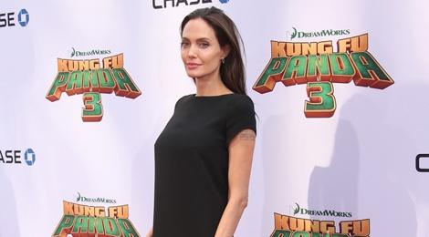 Angelina Jolie ngay cang gay go hinh anh