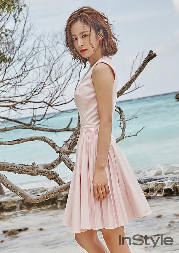 Kim Tae Hee khoe net tuoi tre tren tap chi hinh anh 2