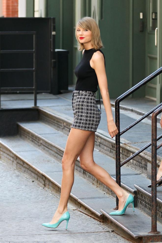 Thuong hieu thoi trang cua Taylor Swift an khach o Hong Kong hinh anh 2