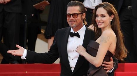 Gia dinh Angelina Jolie chuyen den Anh o giua tin don ly hon hinh anh