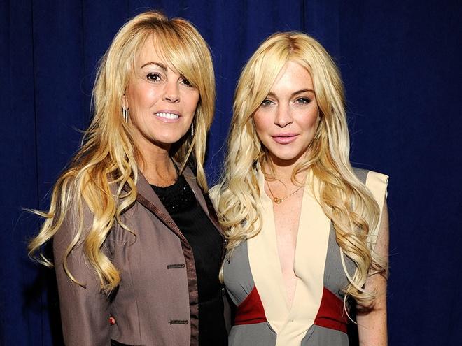 Lindsay Lohan trach moc me de hinh anh 1